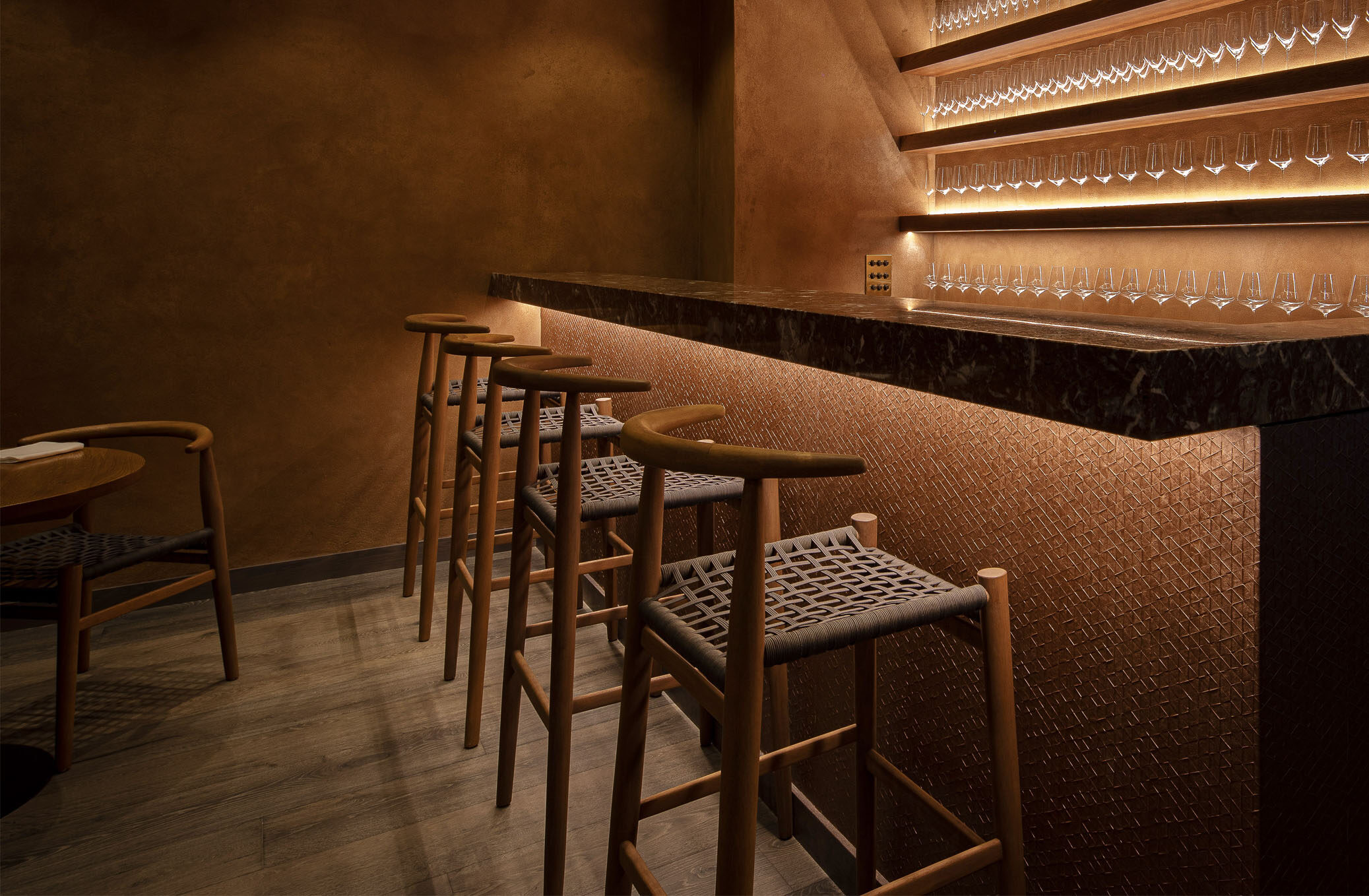 Akoko interior design bar